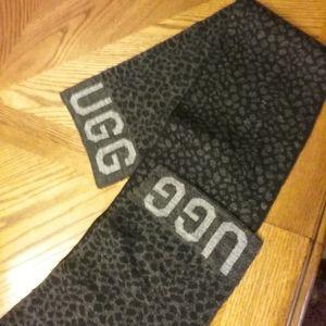 Nearly new UGG scarf